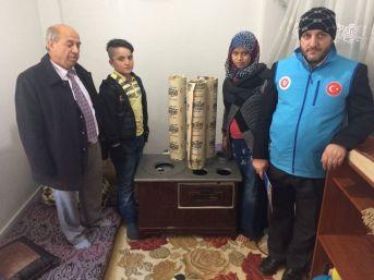Niğde'de Suriyeli Göçmenlere Soba Dağıtıldı
