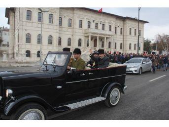 Atatürk'ün, Sivas'tan Ankara'ya Uğurlanışı Canlandırıldı