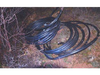 Jandarma Hırsızları Çaldıkları Kablolar İle Yakaladı