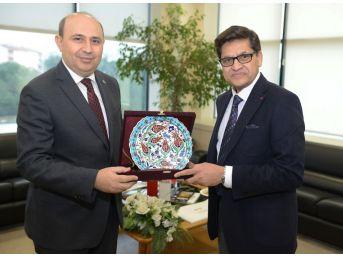 Hindistan İstanbul Başkonsolosu Azar Khan Btso'da