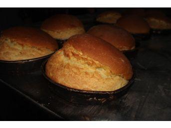 (özel Haber) 'altın Ekmek' Sadece O Köyde Yapılıyor