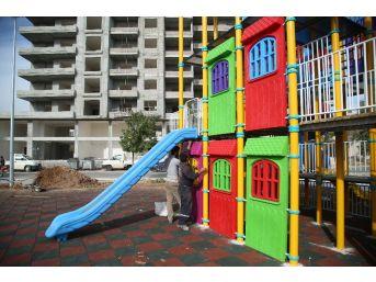 Erdemli Belediyesi'nden Çocuklar İçin Kule Park