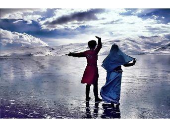 Buzla Kaplı Çıldır Gölünde Kafkas Gösterisi