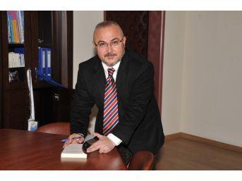 Prof. Dr. Kabadayı'nın İki Çeviri Kitabı Okuyucuyla Buluştu