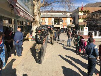 Sason'da Çocukların Kavgasına Aileler Karıştı: 7 Yaralı