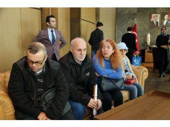 Başkan Karadeniz Görme Engelli Vatandaşları Ağırladı