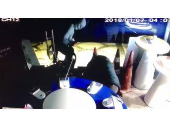 (özel) Sancaktepe'de Cep Telefonu Bayiinde Yaşanan Hırsızlık Kamerada