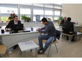 Binlerce Kişiyi İş Sahibi Yapan Mobil Cv Bank, E- Belediyede