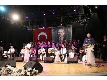 Kırklareli Kent Konseyi Türk Halk Müziği Korosu'ndan Türkü Şöleni