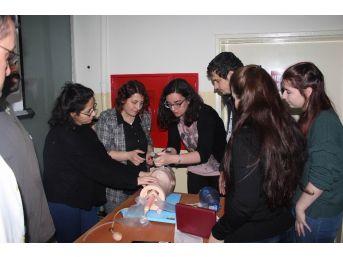 Sağlık Personeline 'ileri Yaşam Desteği' Eğitimi