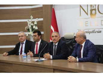 Niğde Belediye Başkanı Rifat Özkan'dan İşçilere Büyük Jest
