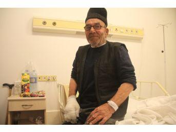Evi Yanan Yaşlı Adam Yaşadıklarını Tedavi Gördüğü Hastanede Anlattı