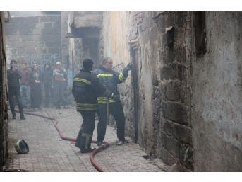 Sur'da Cinayet Sonrası Evlerin Kundaklandığı İddiası