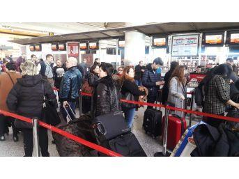 Atatürk Havalimanı'nda Karne Tatili Yoğunluğu