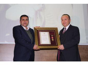 Siirt'te Şehit Yakınlarına 'devlet Övünç Madalyası' Verildi