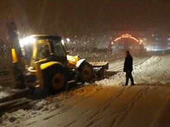 Tunceli Belediyesi, Aralıksız Karla Mücadele Çalışması Yapıyor