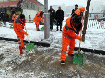 Van'da Kar Temizleme Çalışması
