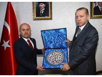 Cumhurbaşkanı Erdoğan, Amasya Valisi Ve Belediye Başkanını Kabul Etti