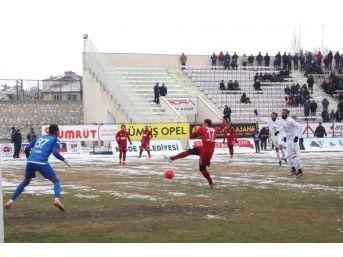 Niğde Belediyespor, Bandırmaspor'u 2-1 Mağlup Etti