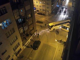 Tramvay İle Otobüs Çarpıştı