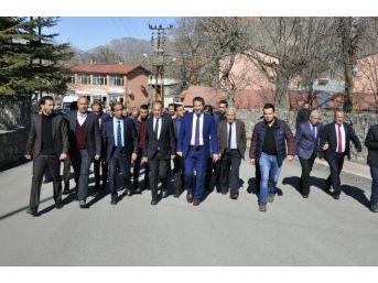 Ak Partili Başkan Gür Çukurca'yı Ziyaret Etti