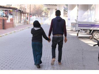 """Çocukları Ölen Suriyeli Aile: """"acımızı Yaşayamadık"""""""