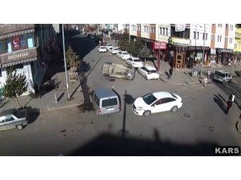 Kars'ta Biri Ölümlü İki Trafik Kazası Mobese'de