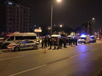 Kontrolden Çıkan Otomobil Minibüslere Çarptı: 2 Ölü