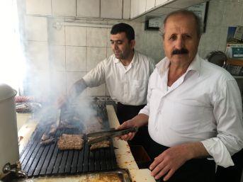 (özel Haber) İzmir'den Amerika'ya Kargoyla Pişmiş Köfte Gönderiyor