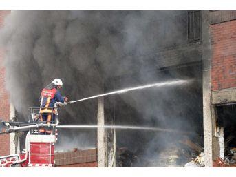 Büyükşehir Belediyesi İtfaiyesi 2017 Yılında 1543 Yangına Müdahale Etti