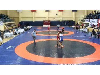 Altınovalı Güreşçilerden Önemli Başarı