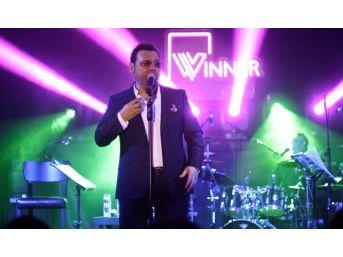 Yaşar Ve Yonca Lodi Winner İncek'te Sahne Aldı