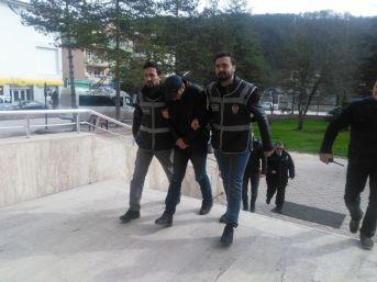 Kasa Hırsızı Polis Ekipleri Tarafından Kıs Kıvrak Yakalandı