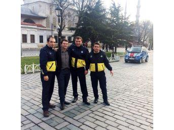 İstanbul Turizm Zabıtası Cüzdanı Kaybolan Avustralyalı'nın Yardımına Koştu