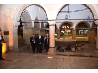 Kültür Ve Turizm Bakan Yardımcısı Hüseyin Yayman, Nasrullah Meydanını Gezdi
