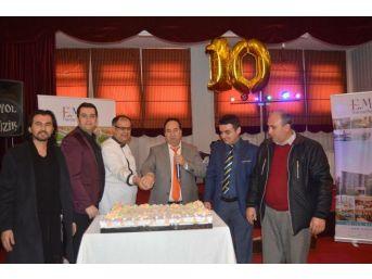 10. Yıl Pastasını Hep Birlikte Kestiler