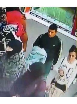 Bebek Arabasından Çanta Çalan Hırsızlar Güvenlik Kamerasına Yakalandı