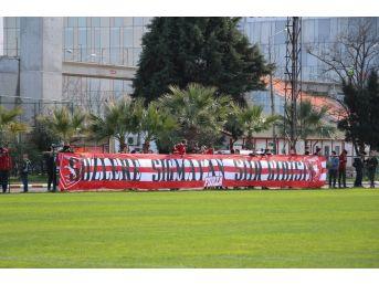 Taraftardan Samsunspor'a 'sevgi' Gösterisi