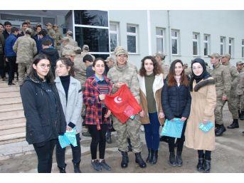Erbaalı Öğrencilerden Jandarmaya Anlamlı Hediye