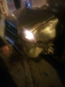 Kamyonet İle Hafif Ticari Araç Çarpıştı: 1 Yaralı