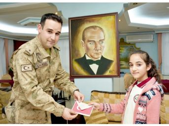 Öğrencilerden Askerlere Duygu Dolu Mektup