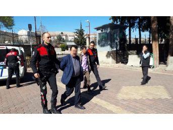 Silahını Çöpe Atan Şahıslar Polisten Kaçamadı