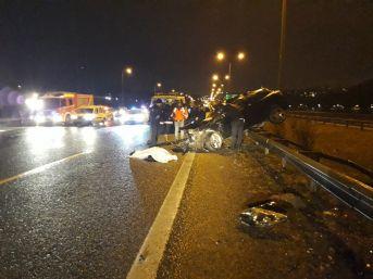 Kontrolden Çıkan Otomobil Hafriyat Kamyonuna Çarptı: 1 Ölü, 1 Yaralı