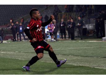 Spor Toto Süper Lig: Gençlerbirliği: 1 - Göztepe: (ilk Yarı)