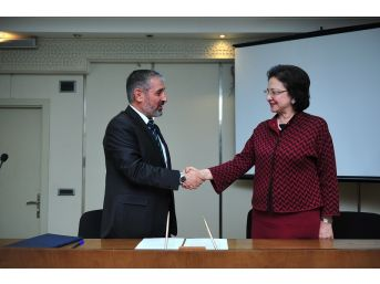 Rektör Biber'den Azerbaycan'a Ziyaret