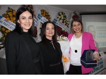 Ak Parti Kuşadası Kadın Kolları Başkanlığı'na Arzu Candır Bayraktar Seçildi