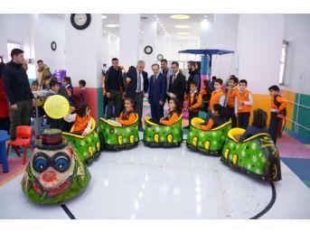 Çocuk Oyun Merkezi Vali'den Tam Not Aldı