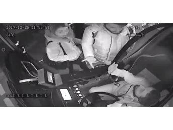 (özel Haber) Ağabeyinin İndirimli Kartıyla Otobüse Binmeye Çalışan Kadın Yakalandı