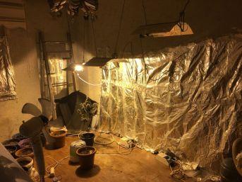 Güzellik Salonunda Uyuşturucu Ticaretine Polis Baskını