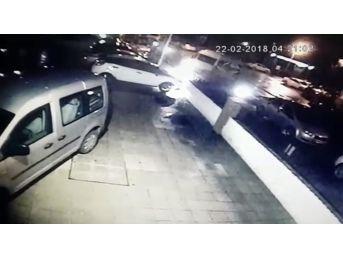 Otomobil Yangını Güvenlik Kamerasında